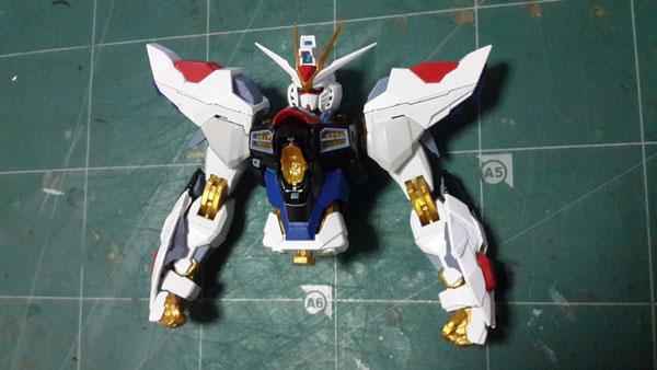 Review-MG-Strike-Freedom-Ver.MB-Dragon-Momoko-(18)