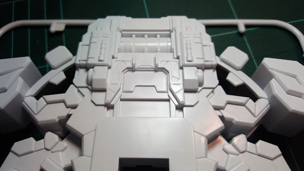 RX-0-Unicorn-Gundam-Bust---0000008