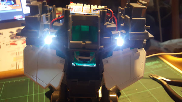 RX-0-Unicorn-Gundam-Bust---0000052