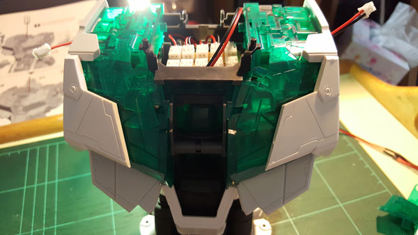 RX-0-Unicorn-Gundam-Bust---0000063