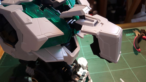 RX-0-Unicorn-Gundam-Bust---0000074