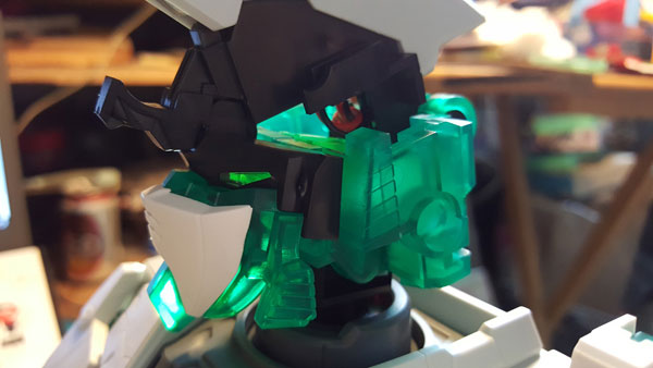 RX-0-Unicorn-Gundam-Bust---0000084