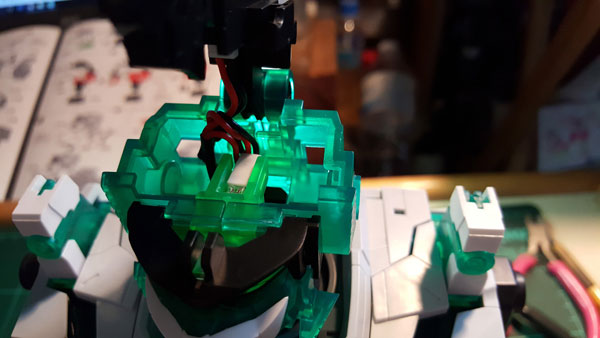 RX-0-Unicorn-Gundam-Bust---0000085