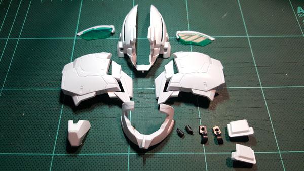 RX-0-Unicorn-Gundam-Bust---0000088