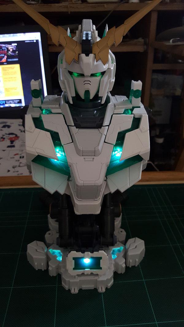 RX-0-Unicorn-Gundam-Bust---0000091