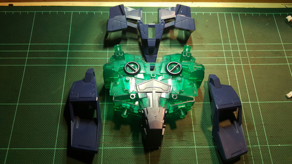 RX-0-Unicorn-Gundam-Bust---0000097