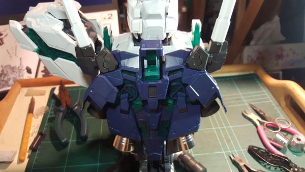 RX-0-Unicorn-Gundam-Bust---0000113