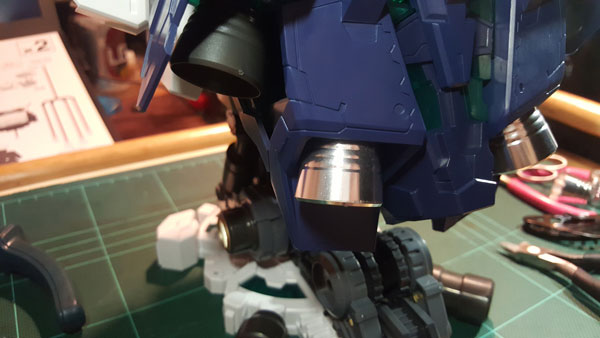 RX-0-Unicorn-Gundam-Bust---0000114