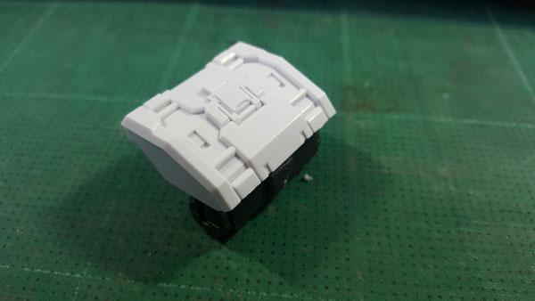 RX-0-Unicorn-Gundam-Bust---0000119