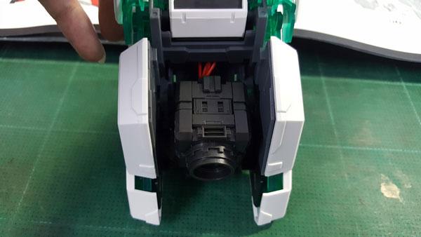 RX-0-Unicorn-Gundam-Bust---0000138