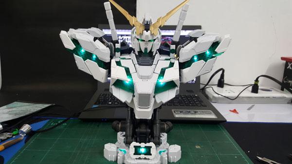 RX-0-Unicorn-Gundam-Bust---0000139