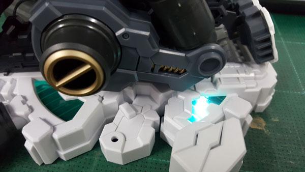 RX-0-Unicorn-Gundam-Bust---0000144