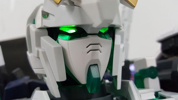 RX-0-Unicorn-Gundam-Bust---0000145
