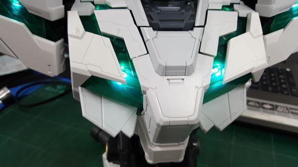 RX-0-Unicorn-Gundam-Bust---0000146