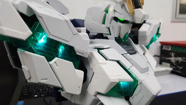 RX-0-Unicorn-Gundam-Bust---0000147
