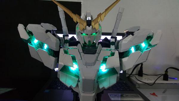 RX-0-Unicorn-Gundam-Bust---0000151