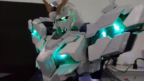 RX-0-Unicorn-Gundam-Bust---0000152