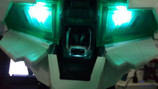 RX-0-Unicorn-Gundam-Bust---0000154