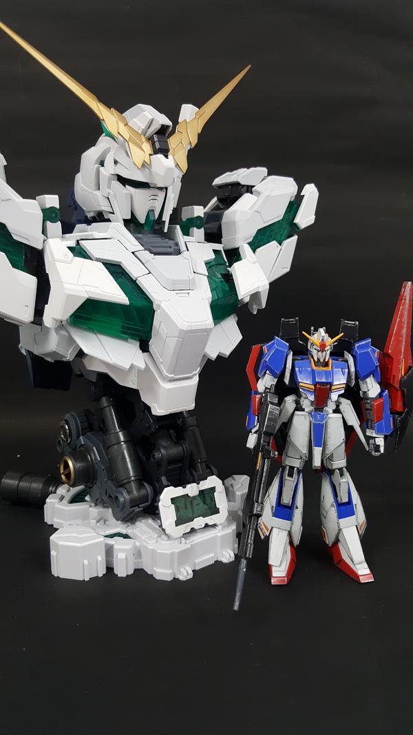 RX-0-Unicorn-Gundam-Bust---0000160