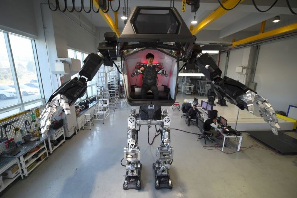 Giant Robot Set To Patrol North Korean 4 conditions to build giant robots_-8
