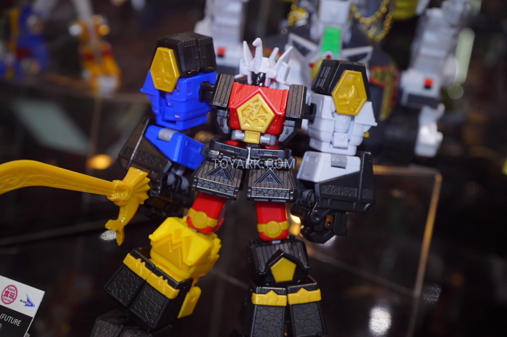 SDCC_2018_Super_Mini-Pla_Shogun_Megazord_008