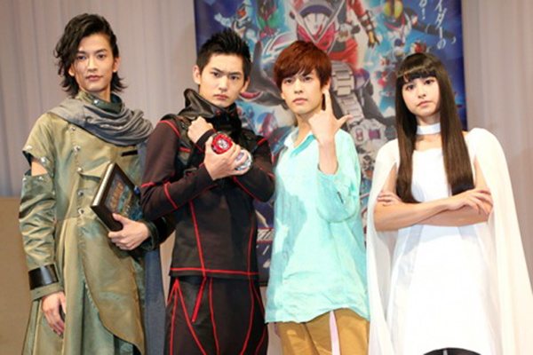 S.H. Figuarts Kamen Rider Zi-O & Geiz (17)