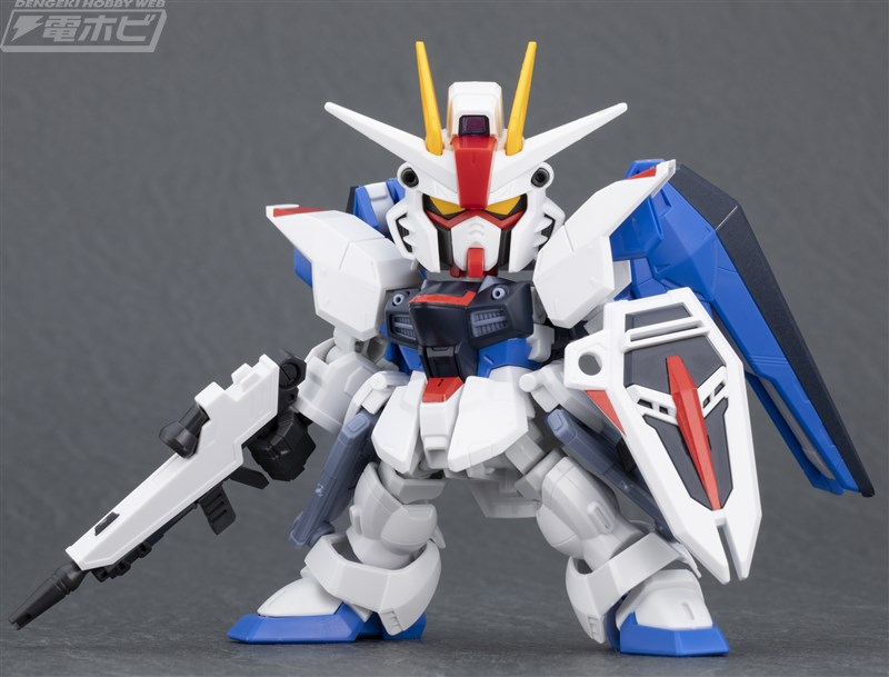 SDCS ZGMF-X10A Freedom Gundam ต่อดิบ (3)