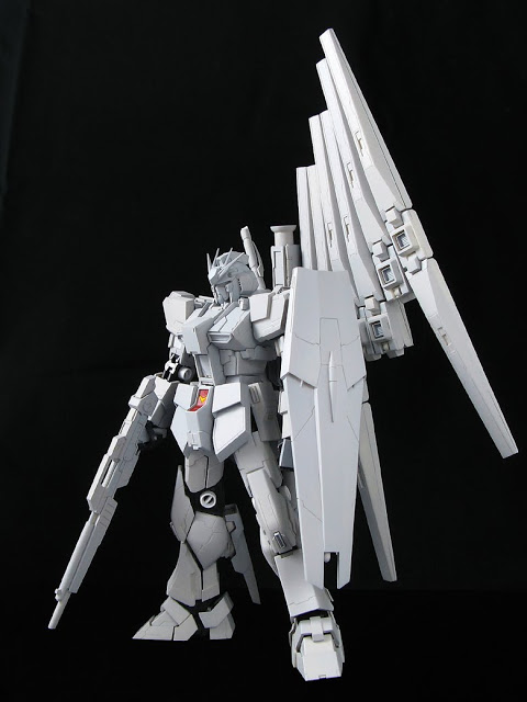 RG  1144 RX-93 nu Gundam  (2)