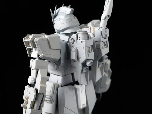 RG  1144 RX-93 nu Gundam  (4)