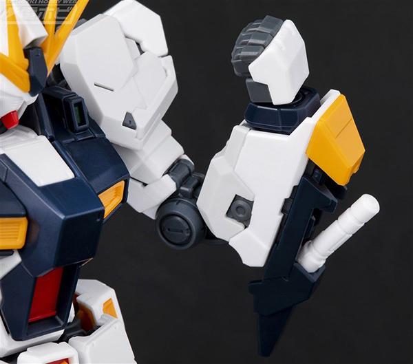 gunpla-RG-nu-Gundam (10)